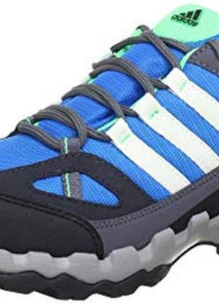 Фирменные кроссовки