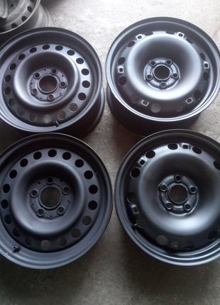 Оригинальные стальные диски R15 Skoda