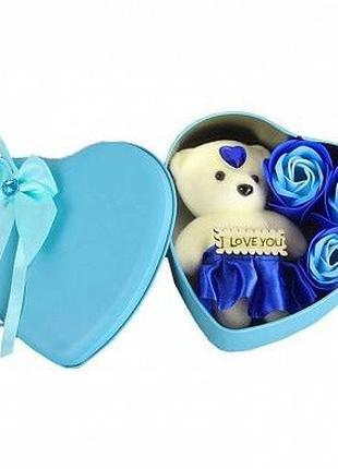Подарочный набор в форме сердца c мыльными розами 3 шт с мишко...