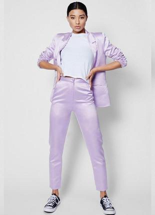 Лиловые брюки с высокой талией от boohoo