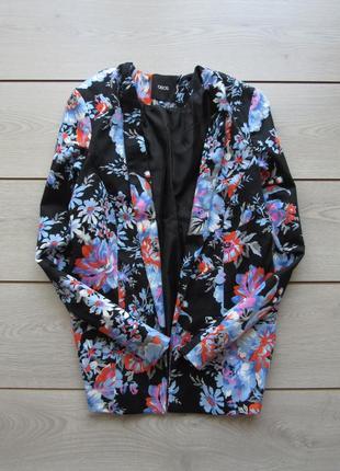 Цвеиочный пиджак жакет блейзер от asos