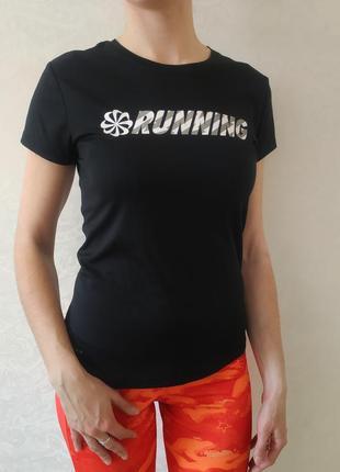 Женская спортивная футболка nike dri fit, размер s