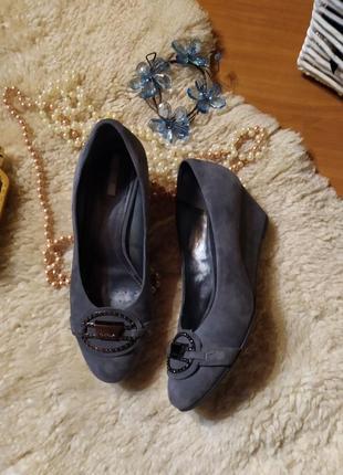 Шикарні стильні туфельки geox натуральна замша+шкіра, сірий гр...