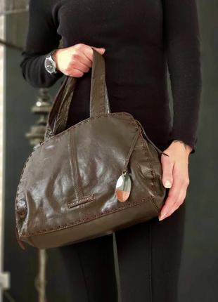 John rocha. сумка из натуральной кожи.