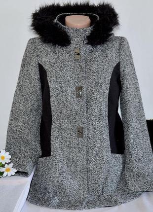Брендовое черно-белое демисезонное пальто полупальто с меховым...