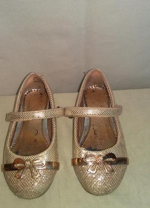 Модные туфельки  для красивой принцессы  (реальный  торг  умес...