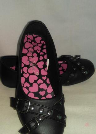 Очень  классные  туфельки  для  маминой  принцески