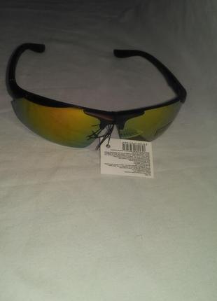 Мужские  солнцезащитные  очки для спортсмена