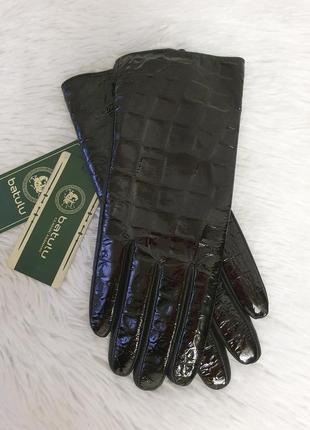 Мега стильные женские перчатки из натуральной лакированной кожи