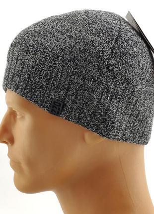 Вязаная шапка мужская с флисом