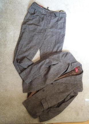 Брючный костюм-деловой стильный-на 48.50.52р шерсть