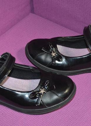 Школьные кожаные туфельки clarks 1 1/2f р.