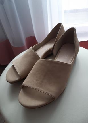 Женская замшевая обувь. Размер 35,5.