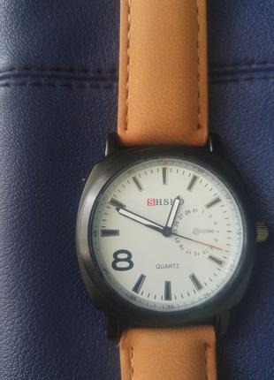 Кварцевые наручные часы мужские