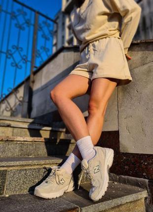 Кросівки нью беланс жіночі new balance