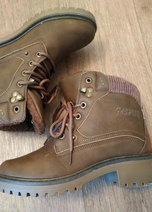 Зимние ботинки. женские ботиночки на меху.