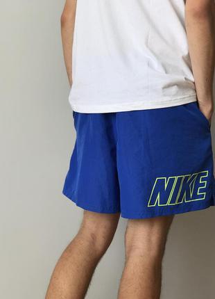 Крутые легкие шорты от nike