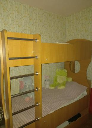Кровать 2х ярусная + матрас