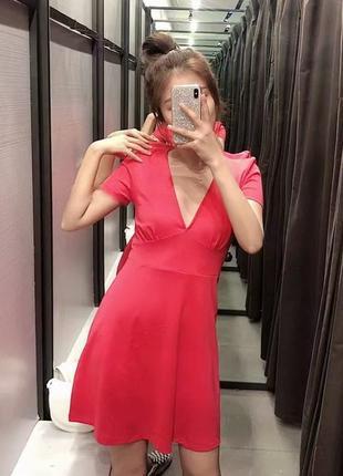 Яркое платье zara pink dresses с v-вырезом