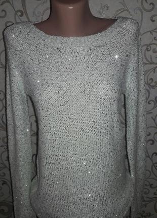 Мятный свитер в пайетки