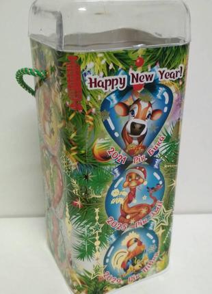 Подарочная упаковка на новый год тубус для конфет средний, Зод...