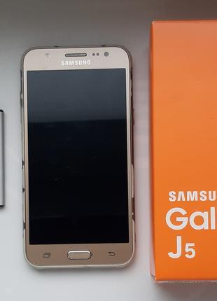Телефон Samsung Galaxy J5 2015 года на запчасти