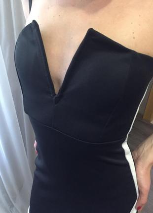 Платье бюстье черно -белое