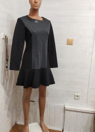Теплое и красивое платье на молнии m-l