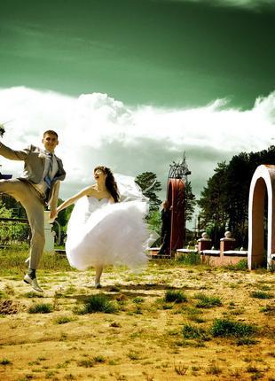 Фотограф, видеооператор на свадьбу/Відеооператор на весілля