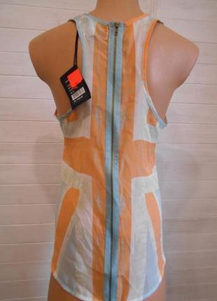 Блузка спинка на молнии крутая и стильная