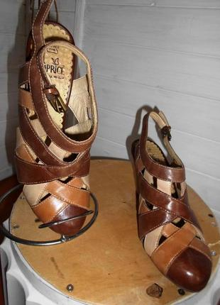 Красивые и удобные босоножки туфли, caprice 24 см