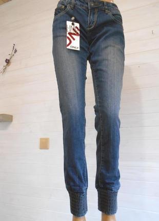 Супер классные джинсы   m-l    27\34