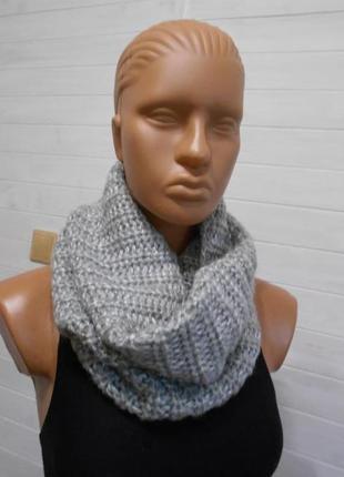Красивый шарф снуд