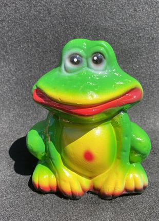 """Садовая фигура «Лягушка"""" маленькая 15 см"""
