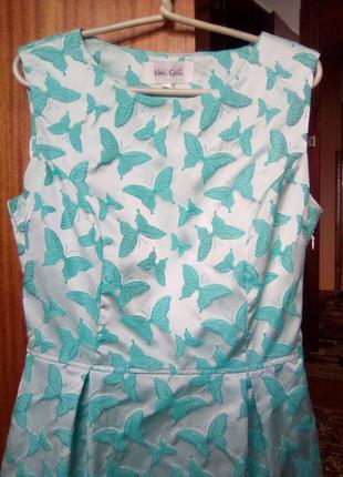 Продам плаття для дівчинки