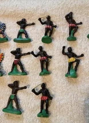 Советские фигурки  солдатиков - негры, зулусы