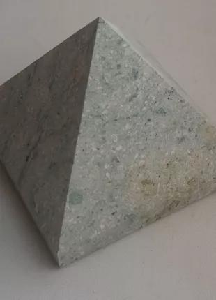 Пирамида цеолитовая