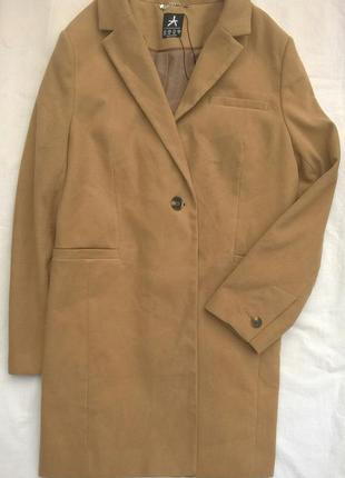 Новое актуальное пальто прямого кроя цвета кемел бойфренд песо...