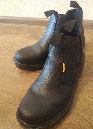 Ботинки capps с железным носком