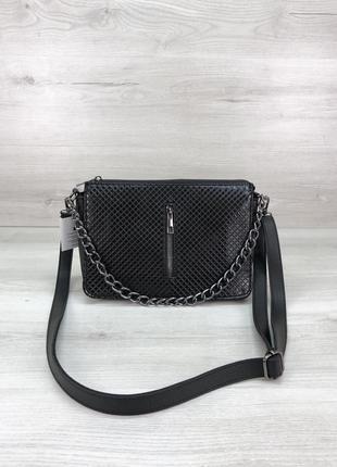Женская сумочка кросс-боди черного цвета со вставкой черный лак