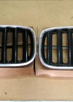 Решотка радиатора, 51137124816; 51137124815. BMW X5 E53 2000-2006