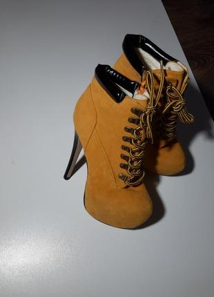 Замшевые сапоги, ботинки, ботильоны на высоком каблуке