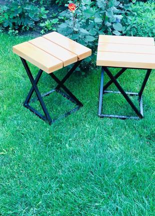 стулья в стиле лофт , подставки под цветы .
