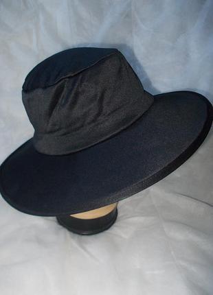 Маскарадная шляпа черного цвета