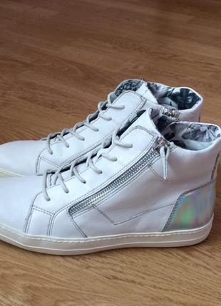 Кожаные ботинки tamaris 38 размера в отличном состоянии