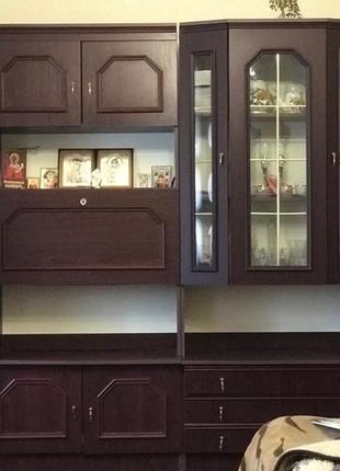Стенка шкаф с полками