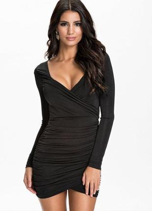 Шикарное новое платье соблазнительные формы