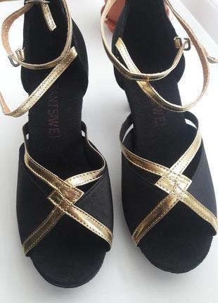 Туфли новые для бальных танцев черные с золотым р.37