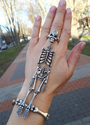 Оригинальный металлический браслет-слейв*кафф на кисть с кольц...