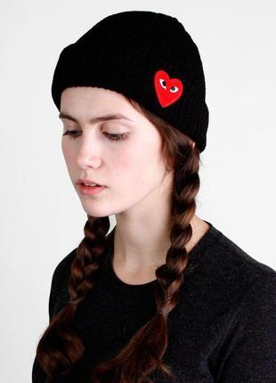 Play стильная шапка с сердечком в черном цвете /осень/зима/весна😍